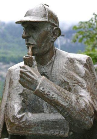 Standbeeld van Sherlock Holmes in Meiringen, Zwitserland