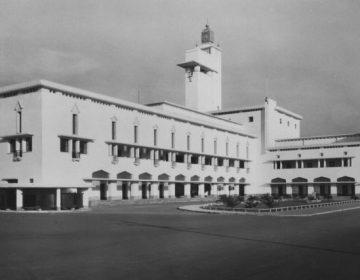 Soerabaja. Het nieuwe gouverneurskantoor, gebouwd in 1930 (Wikimedia/Collectie Tropenmuseum)
