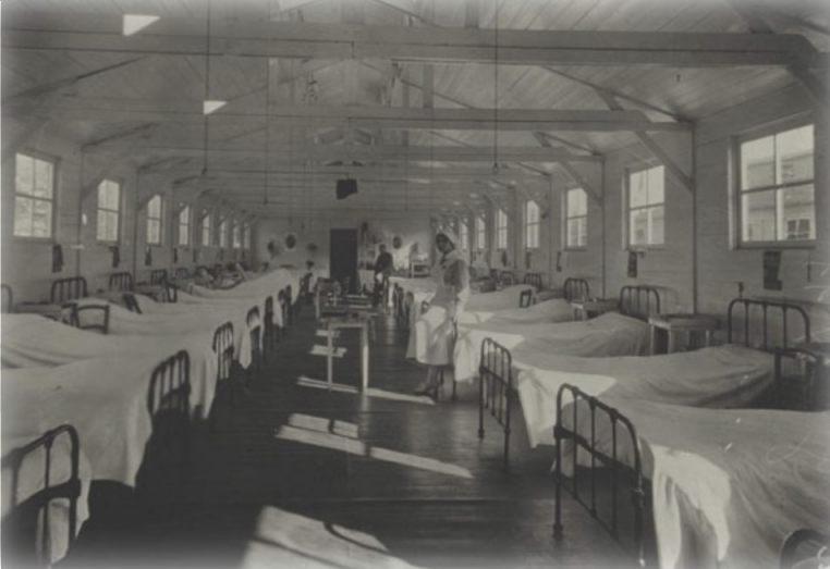 Een van de barakken in Cabour (Bron: belgiummilitary.wordpress.com)