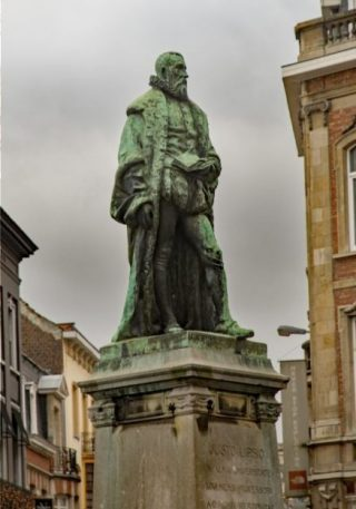 Standbeeld van Justus Lipsius in Leuven (CC BY-SA 4.0 - Sally V)