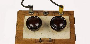 De Moffenzeef – Tóch naar Radio Oranje Luisteren