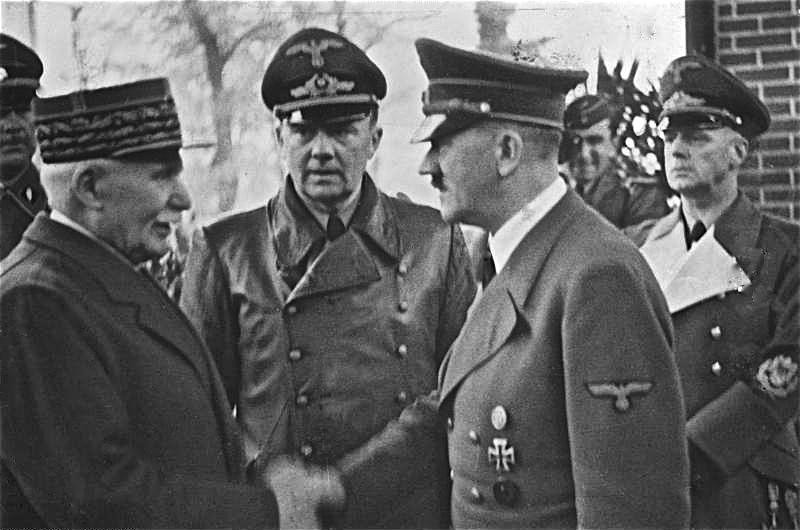 Philippe Pétain ontmoet Hitler in Montoire (CC BY-SA 3.0 de - Bundesarchiv)