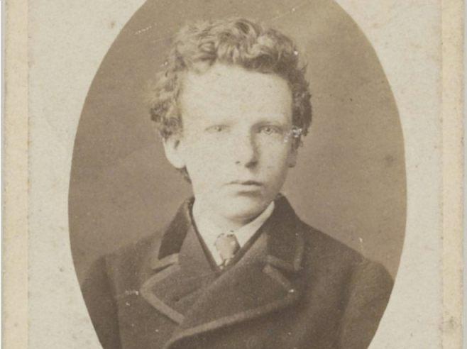 Voorheen geïdentificeerd als Vincent van Gogh, 13 jaar. Na onderzoek geïdentificeerd als Theo van Gogh, 15 jaar. Foto: B. Schwarz, Brussel, Van Gogh Museum, Amsterdam (Vincent van Gogh Stichting)