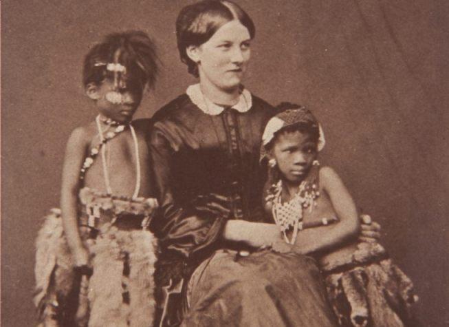 Nicolaas Henneman, Flora en Martinus met de dochter van dhr. George, het Brits gezin waarin zij verbleven van 1851-1854 (1853) | Royal Collection Trust, Verenigd Koninkrijk