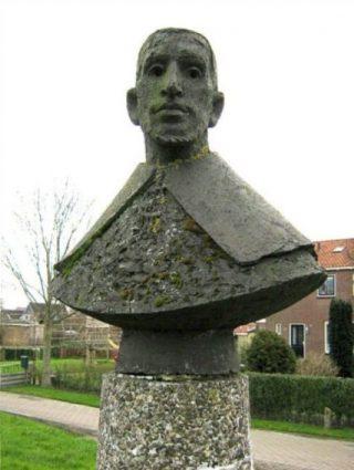 Buste van Gysbert Japicx in Witmarsum -  Jentsje Popma,1966 (CC BY-SA 3.0 - Ytzen - wiki)