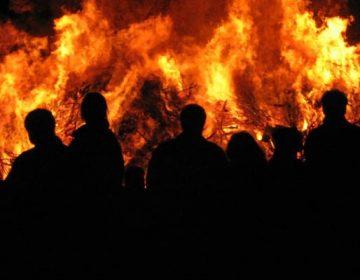 Paasvuur in Eibergen, 1e Paasdag 2006 (Publiek Domein - wiki)