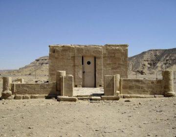 Tempel van Amenhotep III in El Kab (CC BY 3.0 - Olaf Tausch - wiki)