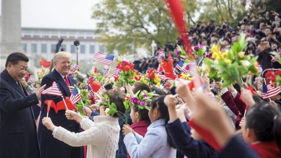 Xi Jinping en Donald Trum tijdens het bezoek van laatstgenoemde aan China, november 2017 (Publiek Domein - The White House)