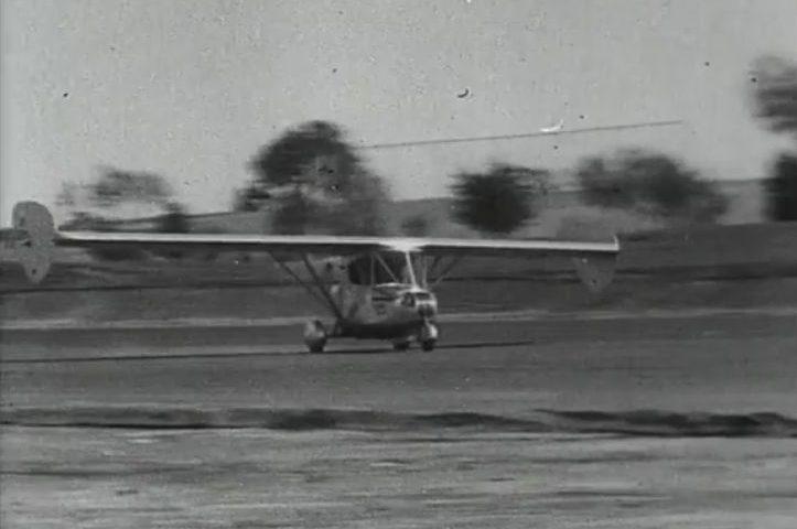 Still van een video over de vliegende auto van Waldo Waterman, circa 1937 (Still VPRO-video)