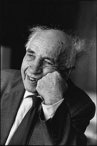 Alfred Sauvy (CC BY-SA 3.0 - wiki)