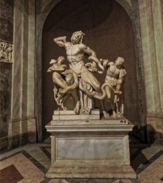 De beeldengroep in de Vaticaanse Musea (CC BY-SA 4.0 - Burkhard Mücke - wiki)
