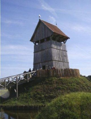 Reconstructie mottekasteel in Lütjenburg (CC BY-SA 3.0 - Cumulus - wiki)