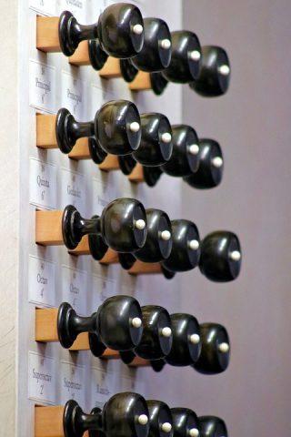 Registers van een orgel (CC0 - Pixabay - scholacantorum)