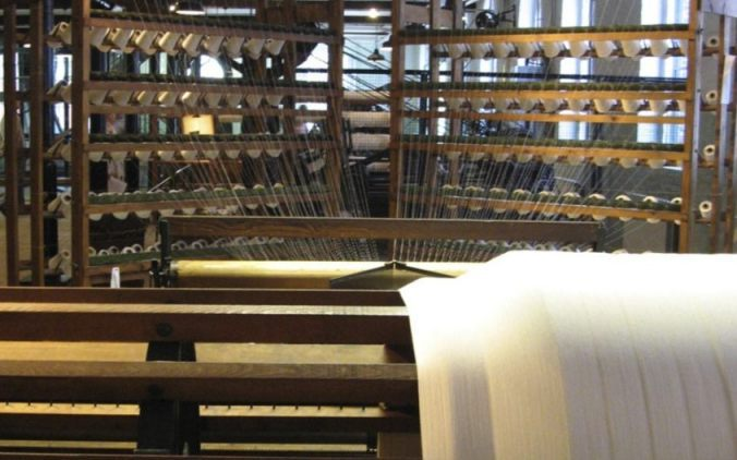 Schering en inslag - Kettingscheermachine (Textielmuseum - CC BY-SA 2.0 - wiki)
