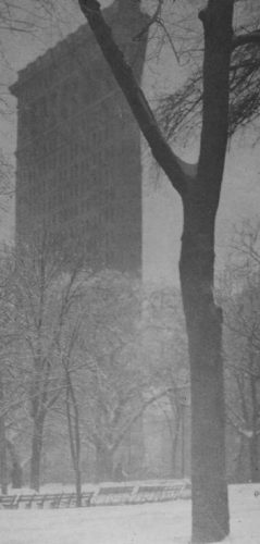 The Flatiron - Alfred Stieglitz, 1903 (Publiek Domein - wiki)