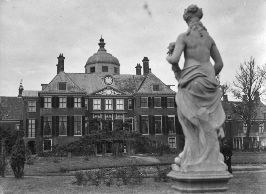 Paleis Huis ten Bosch, 14 oktober 1946 (CC0 - Nationaal Archief)