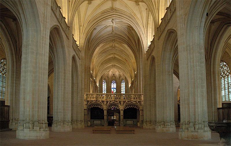 Schip van de Kerk van Nicolaas van Tolentijn (CC BY-SA 3.0 - Baldiri - wiki)