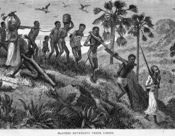 Arabische slavenhandelaren met hun 'vangst' in Mozambique.