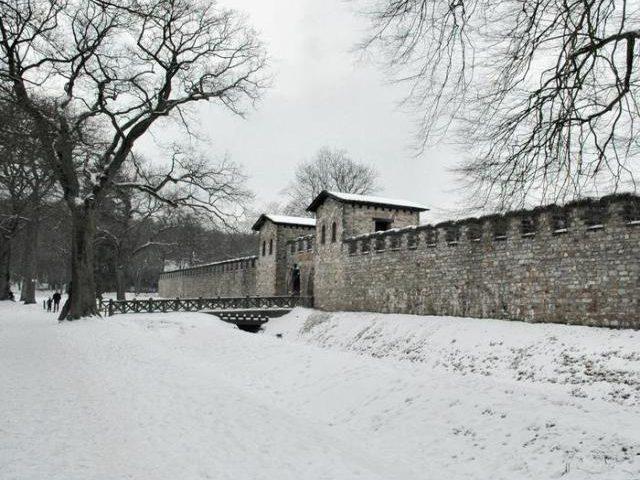 De Saalburg (even ten noorden van Frankfurt) is de moeder van alle limes-reconstructies.