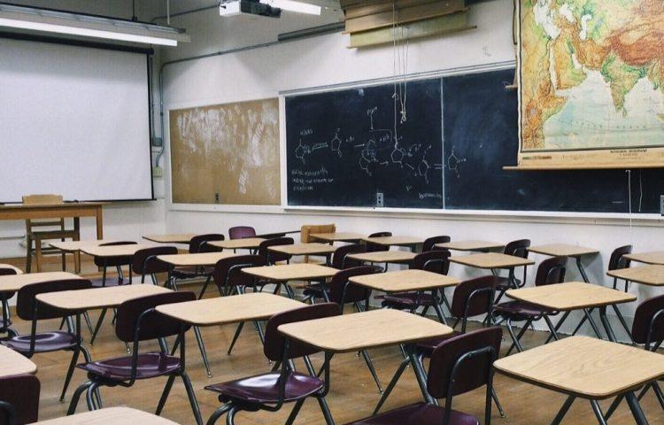 Lees klaslokaal (CC0 - Pixabay - Wokandapix)