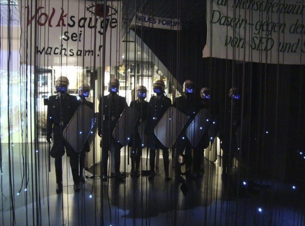 De Volkspolizei, de sterke arm van het DDR-regime - Foto: E. Ruis
