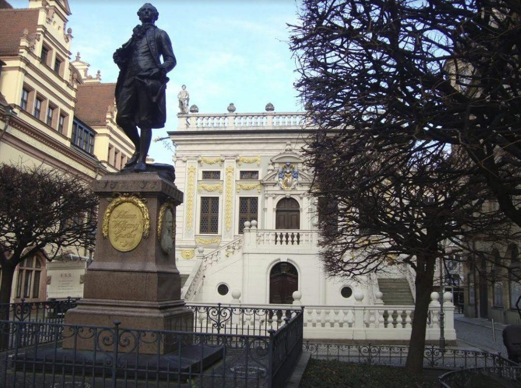 De jonge Johann Wolfgang von Goethe studeerde hier rechten van 1765 tot 1768 - Foto: E. Ruis