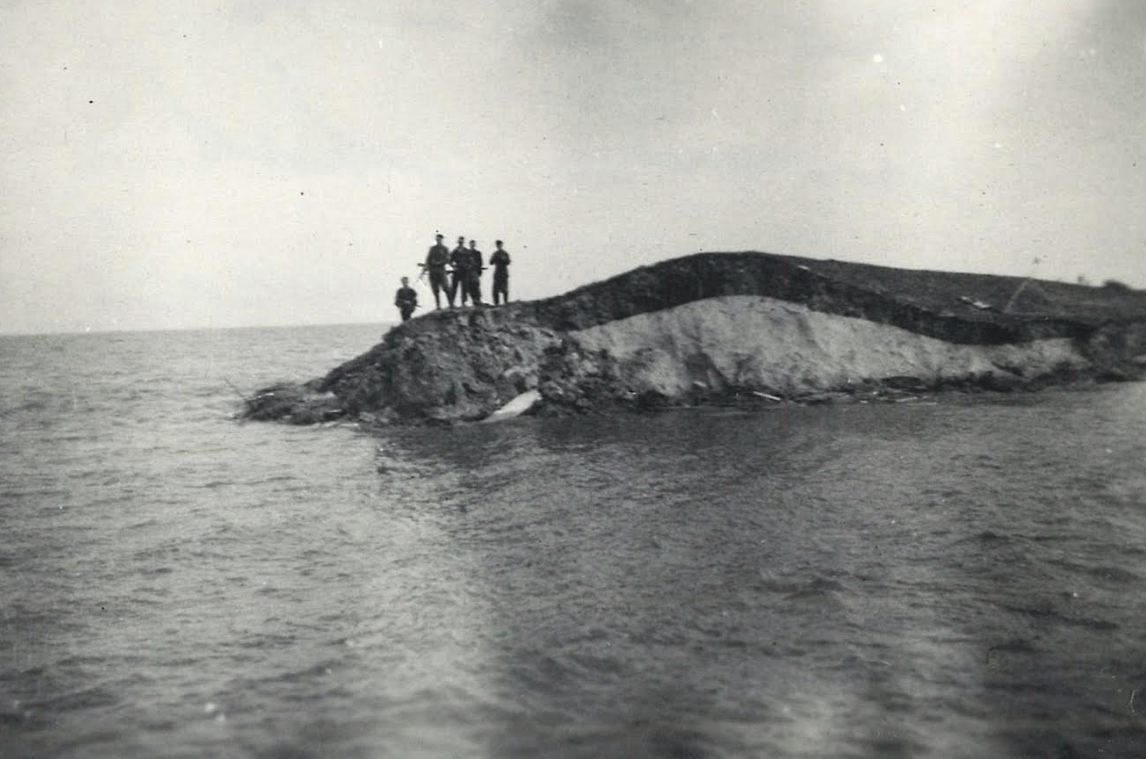 Gat in de dijk van de Wieringermeer - Foto boek (Regionaal Archief Alkmaar, archief heemraadschap Wieringermeer)