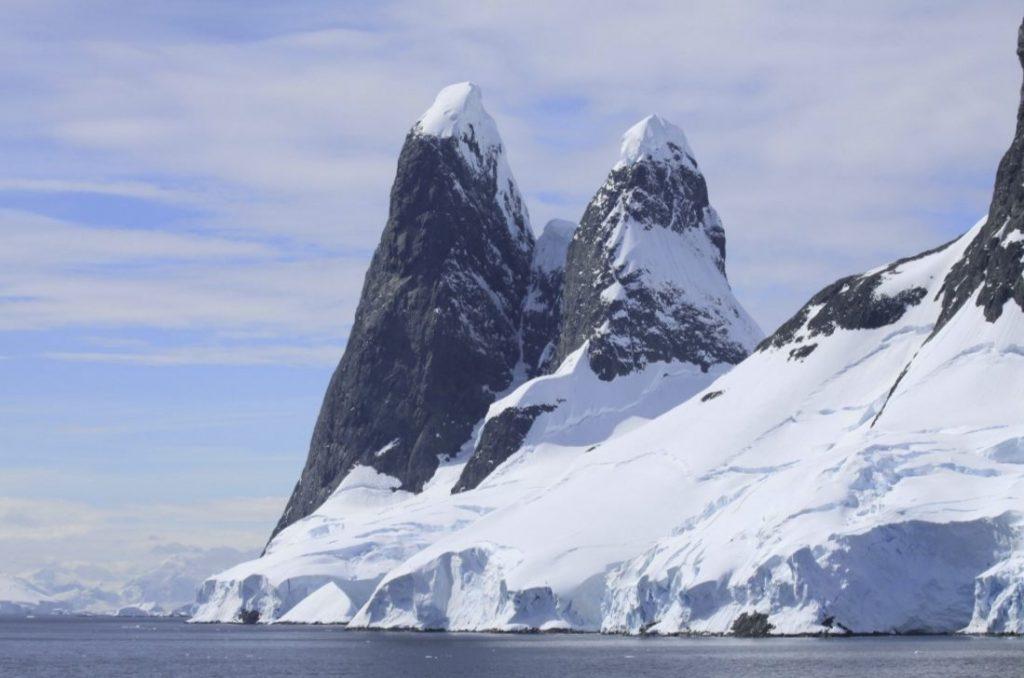 Kaap Renard, Antarctica (CC BY-SA 4.0 - CHK46 - wiki)