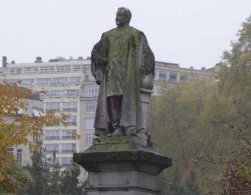 Standbeeld van Alphonse Renard, gemaakt door Alphonse de Tombay (CC0 - Karmakolle - wiki)