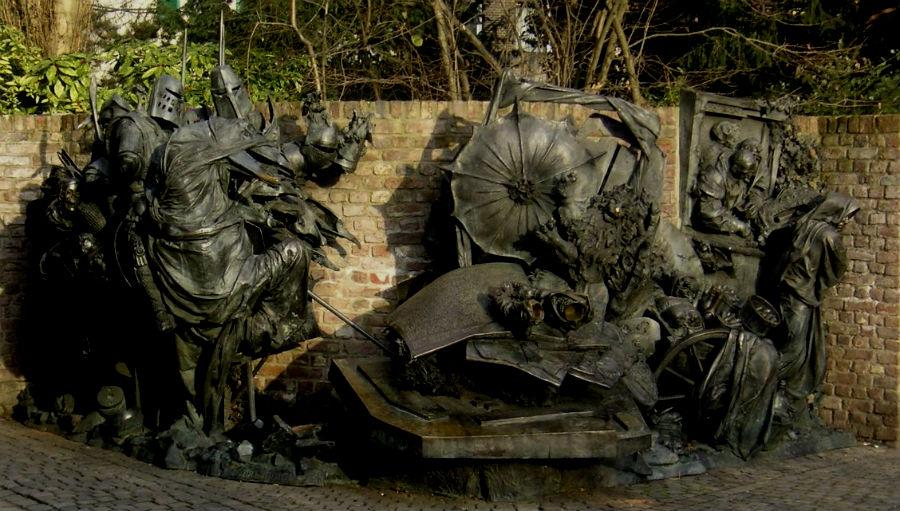 Monument in Düsseldorf ter herinnering aan de Slag bij Woeringen, Bert Gerresheim, 1988 (CC BY-SA 3.0 - Marek Gehrmann)