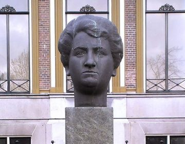 Buste van Aletta Jacobs in Sappemeer (CC BY-SA 4.0 - Bvhensbergen - wiki)