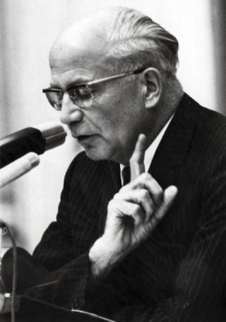 PvdA-leider Gerard Nederhorst in 1969 (CC BY-SA 3.0 nl - Spaarnestad - Anefo - Eric Koch - wiki)