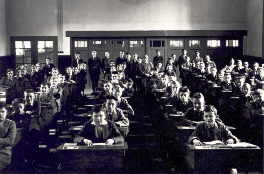 In de studiezaal van Beekvliet, Sint-Michielsgestel - Fotocollectie BHIC, id.nr. Fotosm.3011