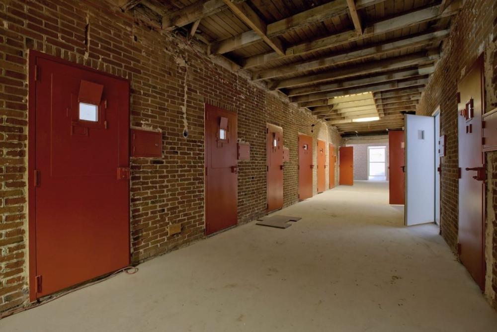 Cellengang in het Nationaal Monument Oranjehotel. Foto J. v.d. Oever / Herinneringscentrum Oranjehotel