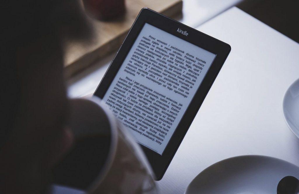 Moderne Kindle-ereader (CC0 - Pixabay - Free-Photos)