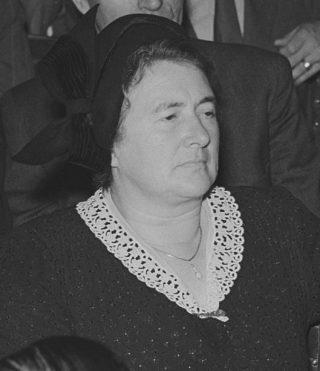Truus Smulders-Beliën, de eerste vrouwelijke burgemeester van Nederland (CCo - Joop van Bilsen / Anefo - wiki)