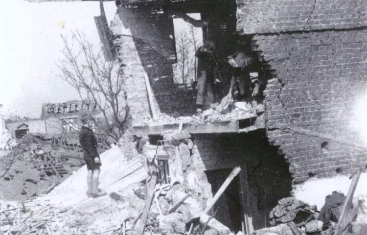 Bombardement op Merelbeke (© Merelbeekse Gemeentearchief FO2006.0948)