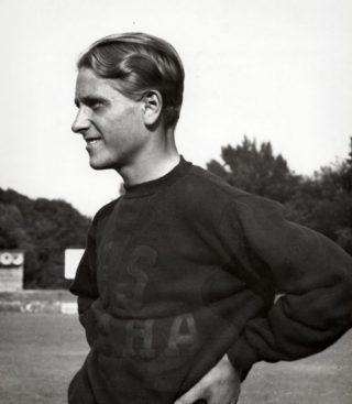 De Tsjechische atlete Zdenka Koubkova in 1936. Onderging een sekse-operatie en ging hierna door het leven als Zdeněk Koubek (Publieik Domein - wiki)