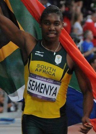 Caster Semenya viert haar olympische medaille op de 800 m in Londen in 2012. (CC BY-SA 2.0 - Tab59)