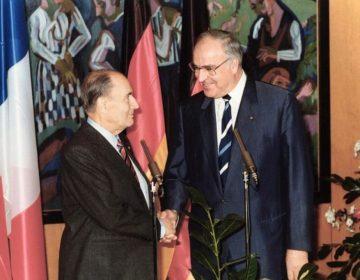 François Mitterand en Helmut Kohl in 1987 (CC BY-SA 3.0 de - Bundesarchiv - wiki)