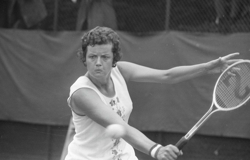 Betty Stöve in actie op 't Melkhuisje, 1972 (CC0 - Anefo - Hans Peters - wiki)