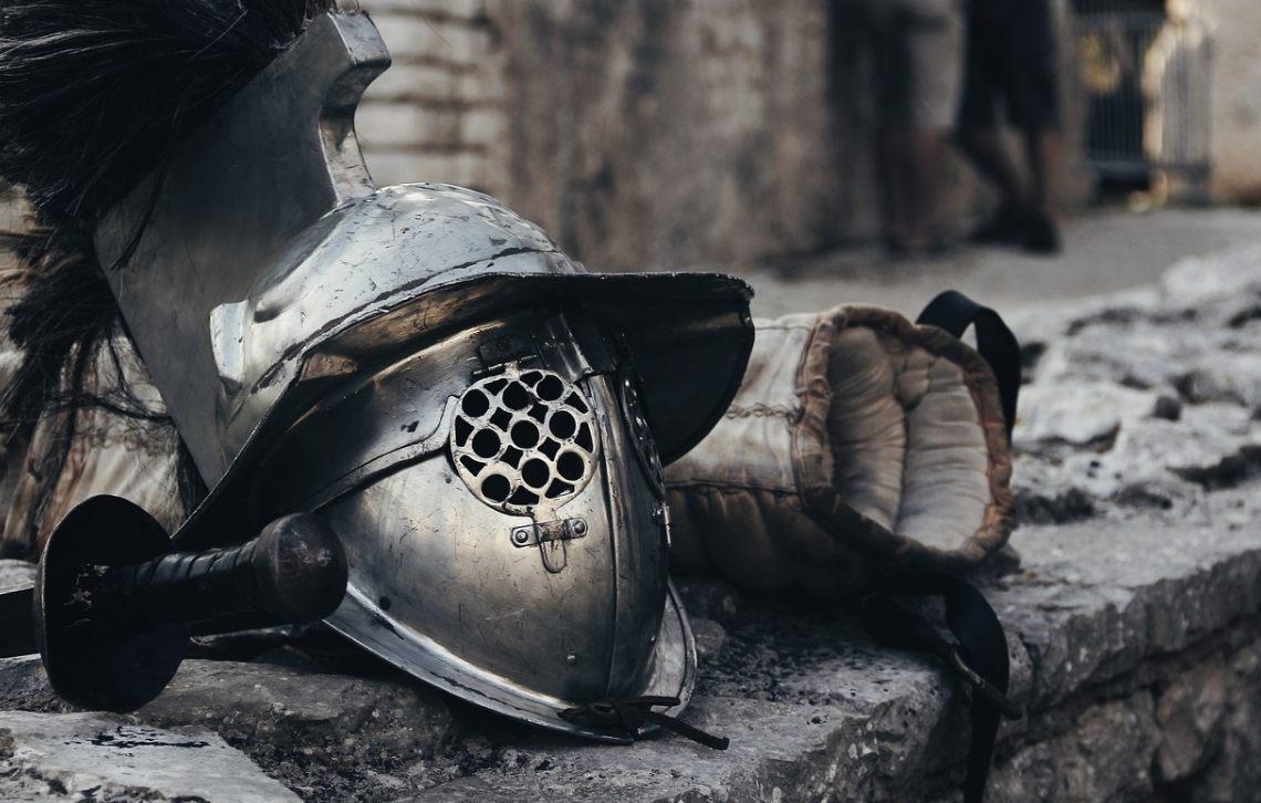 Arena - Uitrusting van een gladiator (CC0 - Pixabay - ArtCoreStudios)
