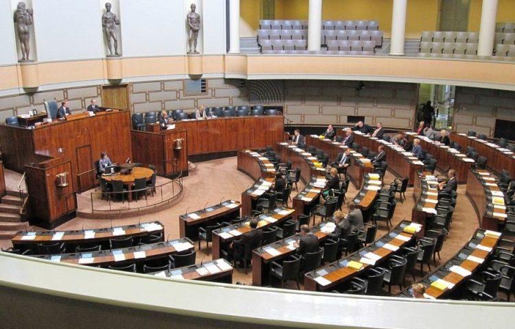 Identiteitspolitiek - Foto van een willekeurig parlement, in dit geval het Finse (CC0 - Pixabay - MarreKrisu)