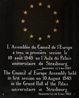 Plaquette ter herinnering aan de eerste vergadering van de Raad van Europa (CC BY-SA 3.0 - Ji-Elle - wiki)