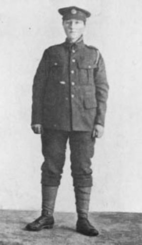 Dorothy Lawrence in 1915, verkleed als soldaat