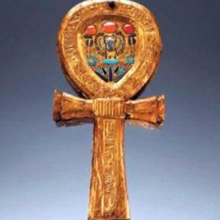 Ankh-vormige spiegel uit het graf van Toetanchamon (Publiek Domein - wiki)