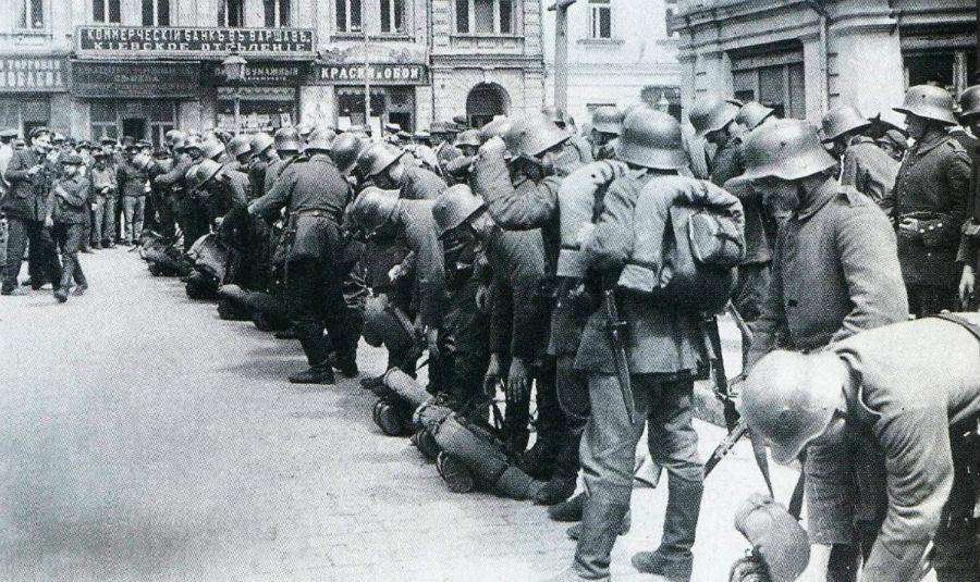 Duitse troepen in Kiev, maart 1918 (Publiek Domein - wiki)