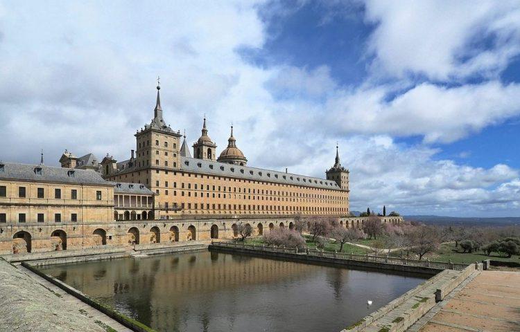 El Escorial (CC0 - Pixabay - hruskajar)