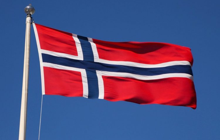 Vlag van Noorwegen - Volkslied van Noorwegen (CC0 - Pixabay - terimakasih0)