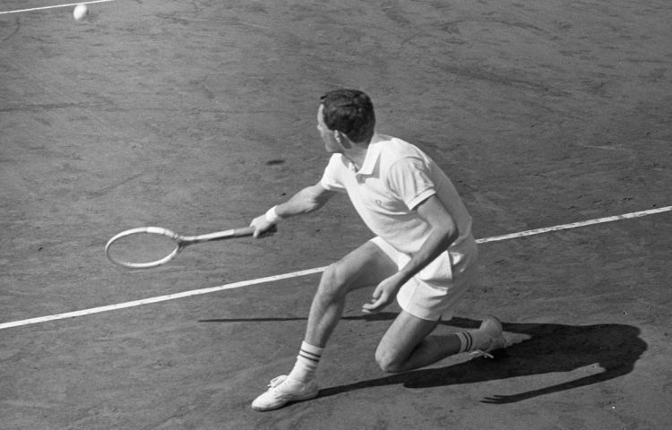 Tom Okker in 1966 (CC0 - Eric Koch / Anefo - wiki)